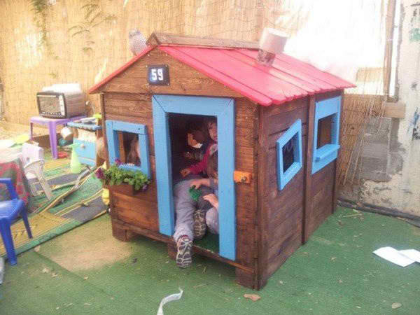 Best ideas about DIY Pallet Playhouse Plans . Save or Pin Creative Wood Pallet Projects DIY Projects Craft Ideas Now.