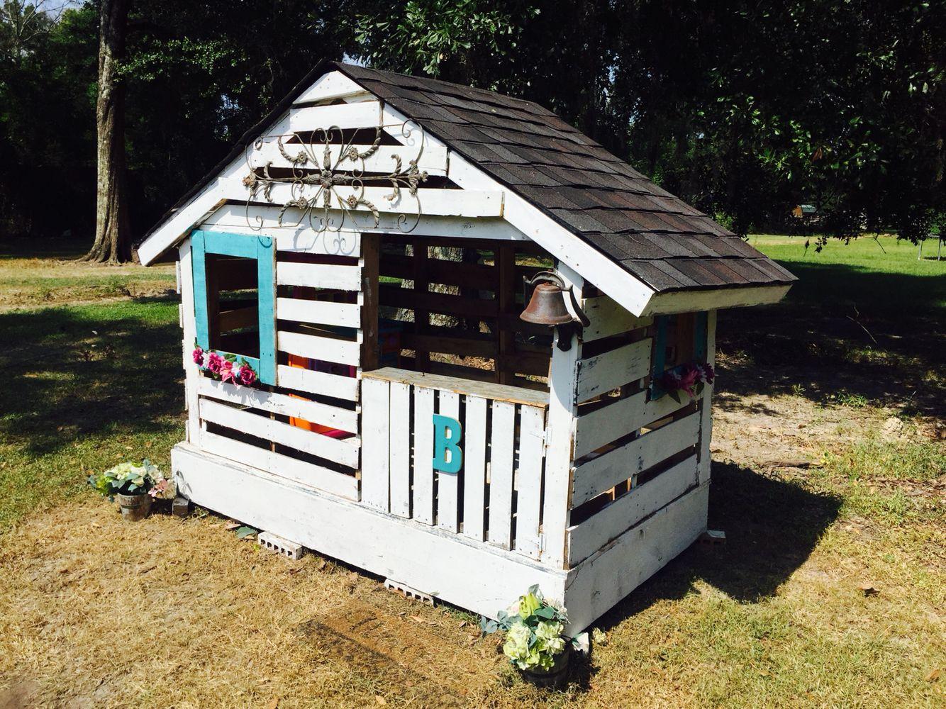 Best ideas about DIY Pallet Playhouse Plans . Save or Pin Pallet playhouse Play houses in 2019 Now.