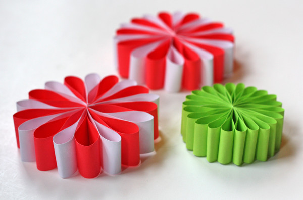 Best ideas about DIY Paper Christmas Decorations . Save or Pin DIY Paper Christmas Ornaments Madame Bonbon Now.