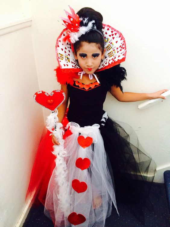 Best ideas about DIY Queen Of Hearts Costume . Save or Pin Heart Queen of hearts and Queen on Pinterest Now.