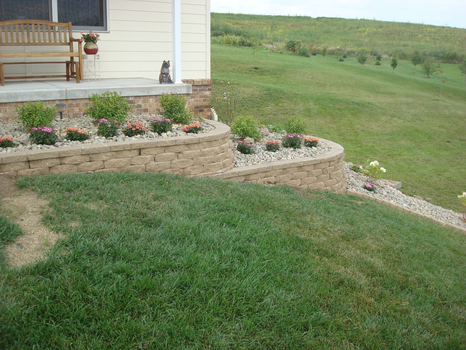 Best ideas about DIY Retaining Wall . Save or Pin Dishing Up Design DIY Retaining Wall & Landscaping Now.