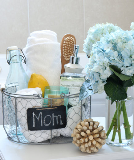 Best ideas about DIY Spa Gift Baskets . Save or Pin 7 DIY Spa Gifts for Mom Now.