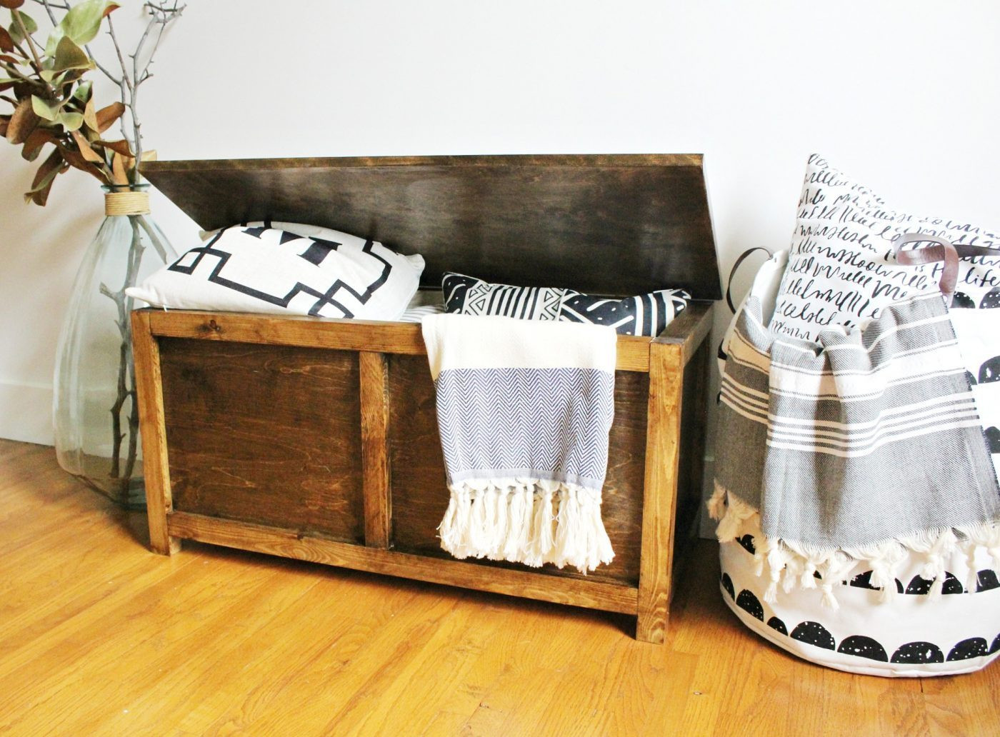 Best ideas about DIY Storage Chest . Save or Pin How to Build a Simple DIY Storage Chest Now.