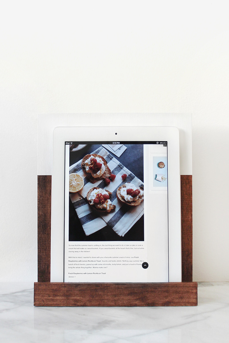 Best ideas about DIY Tablet Stand Wood . Save or Pin 10 Last Minute DIY Wood Gifts that you Can Make Now.