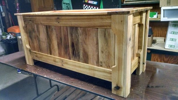 Best ideas about DIY Toy Chest Plans . Save or Pin Pallet Wood Toy Box Now.