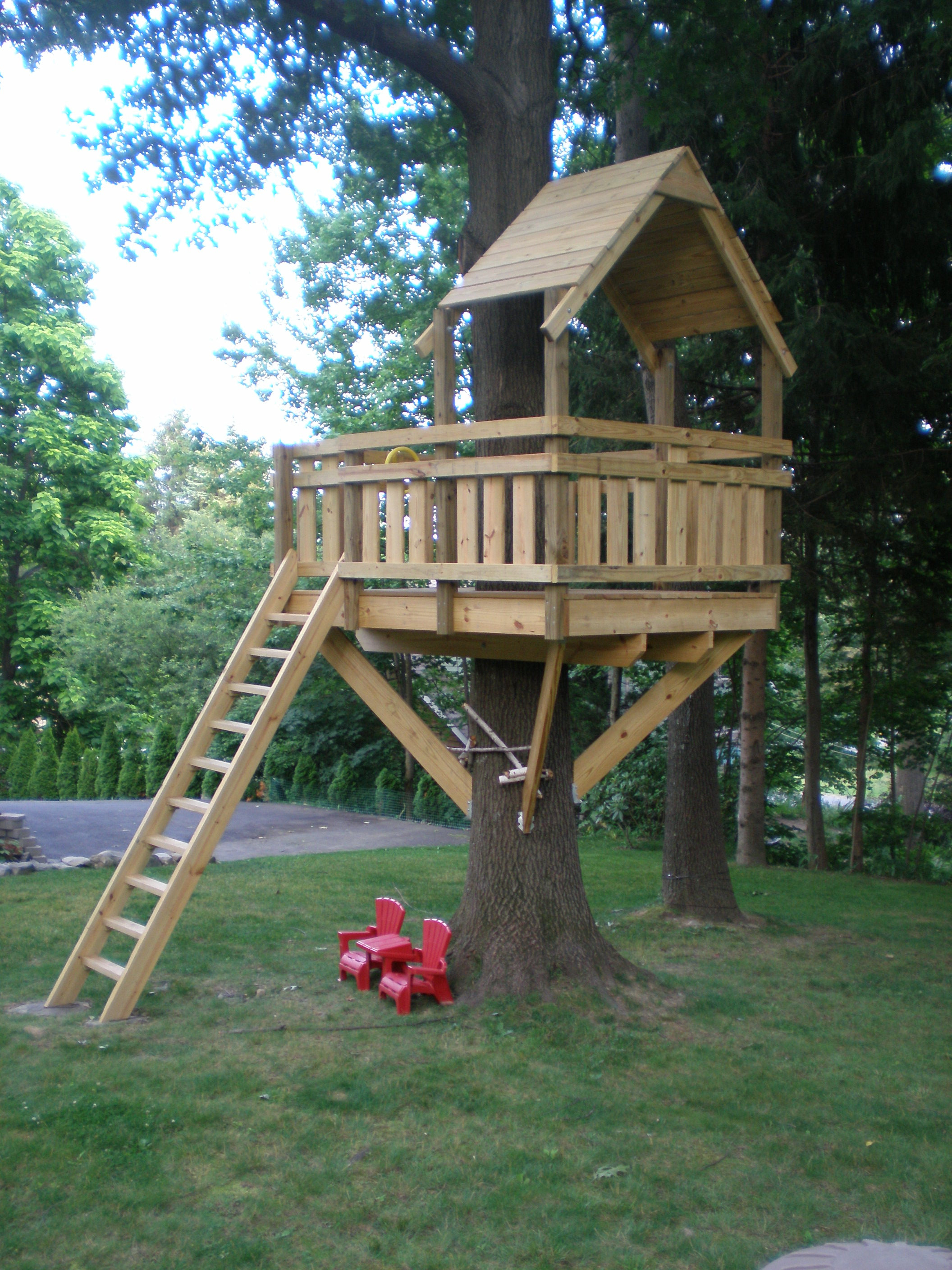 Best ideas about DIY Treehouse Plans Free . Save or Pin tree fort Now.
