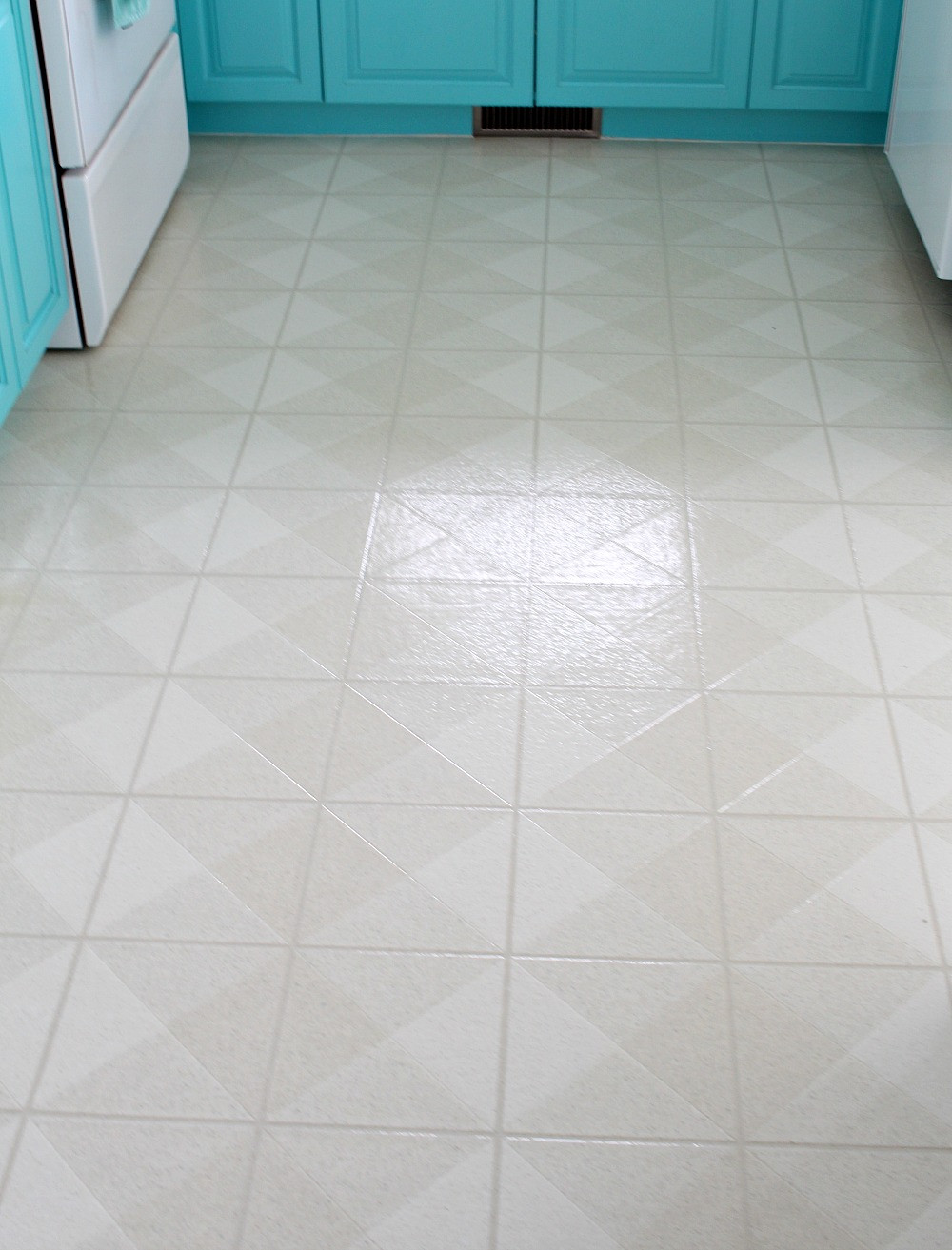 Best ideas about DIY Vinyl Flooring . Save or Pin How to Paint a Vinyl Floor DIY Painted Floors Now.