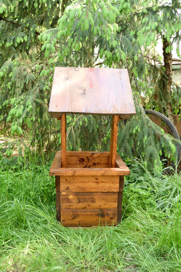 Best ideas about DIY Wishing Well Plans . Save or Pin How to Build a Wishing Well Planter Now.