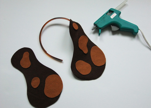 Best ideas about Dog Ears Headband DIY . Save or Pin DIY Halloween Costumes 5 Easy Animal Headbands for Kids Now.