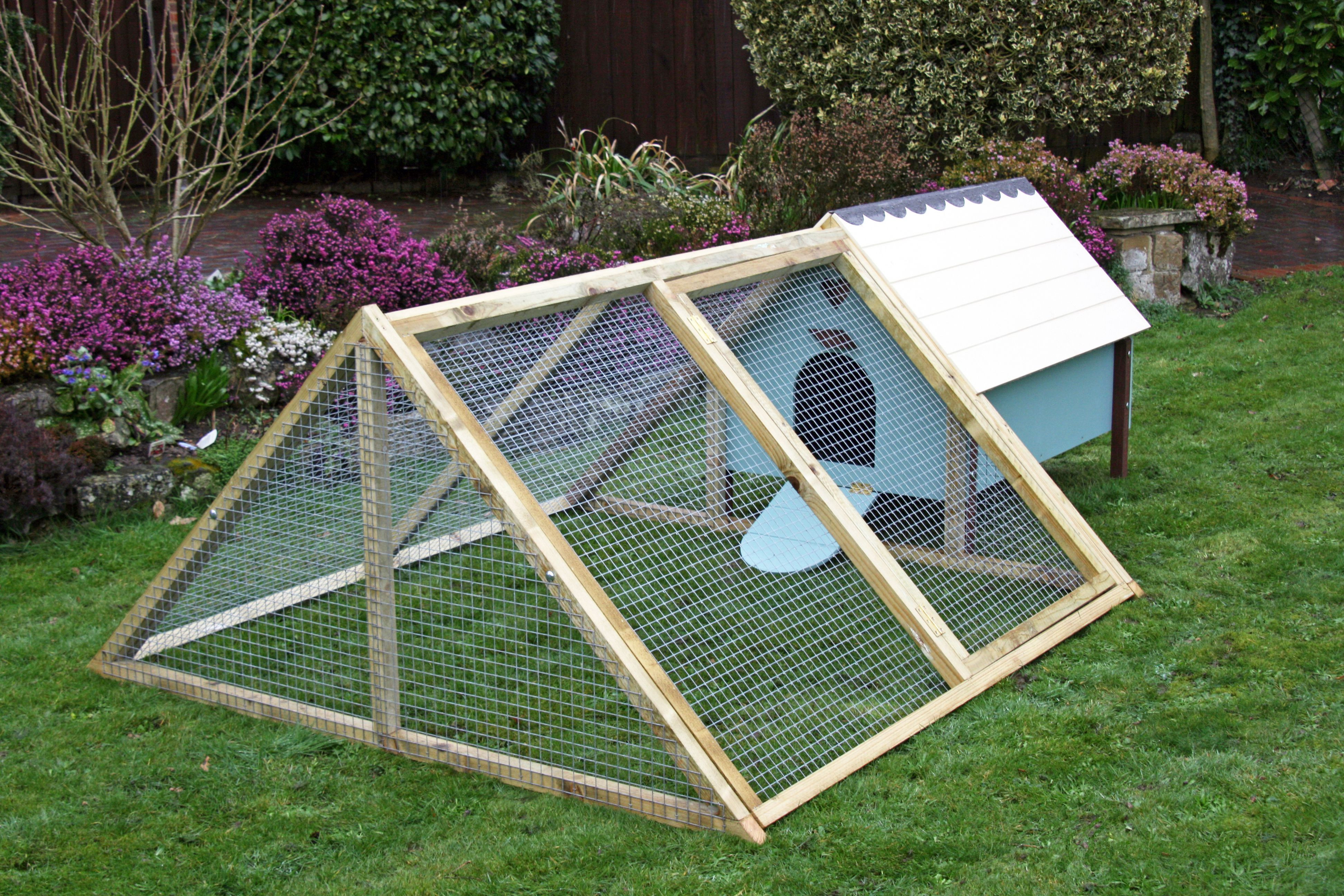 Best ideas about Easy DIY Chicken Coop Plans . Save or Pin DIY Chicken Coops Plans That Are Easy To Build Now.