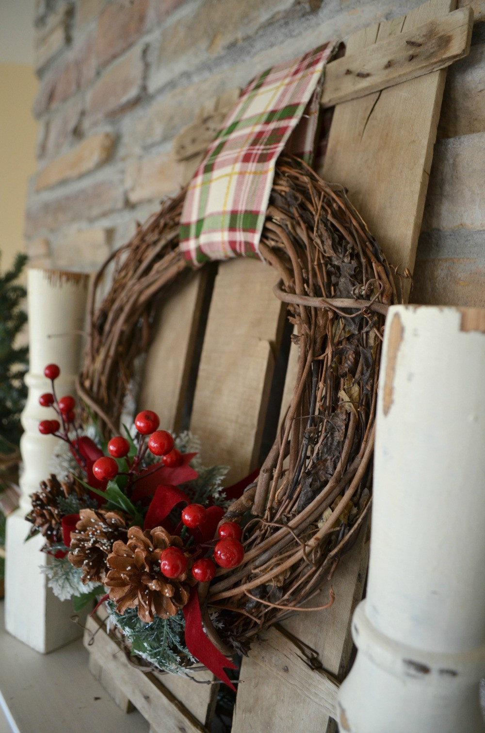 Best ideas about Easy DIY Christmas Wreaths . Save or Pin Easy DIY Christmas Wreath Little Vintage Nest Now.