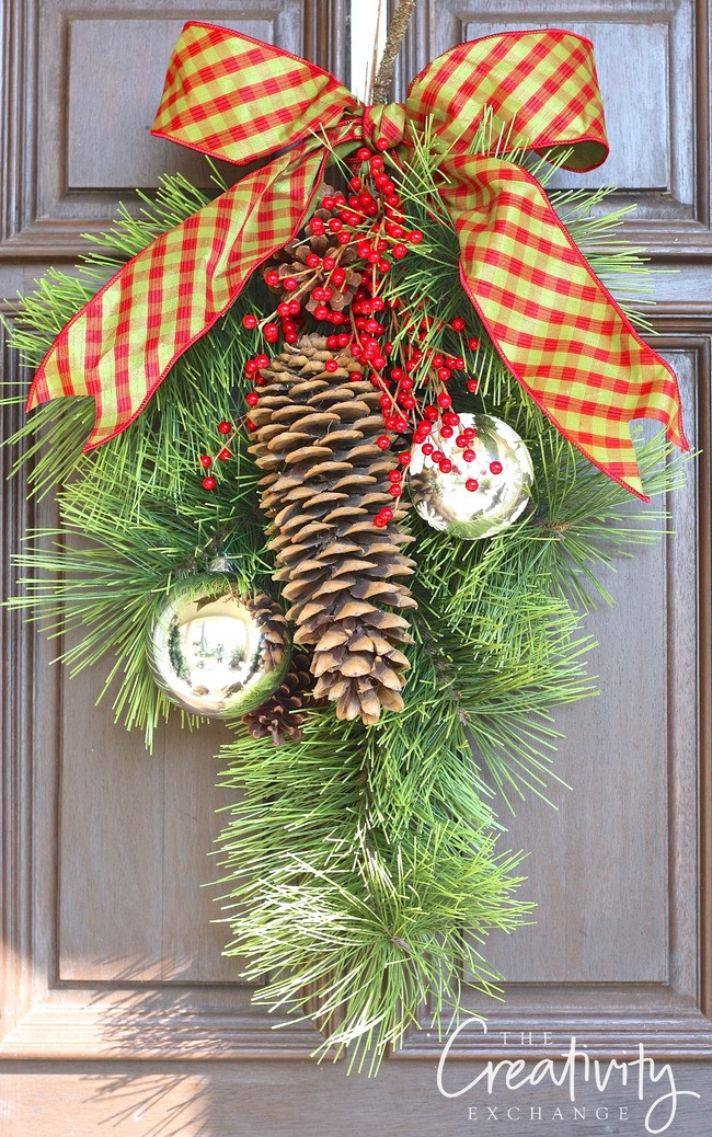 Best ideas about Easy DIY Christmas Wreaths . Save or Pin Easy DIY Christmas Wreaths for Around the Home Now.