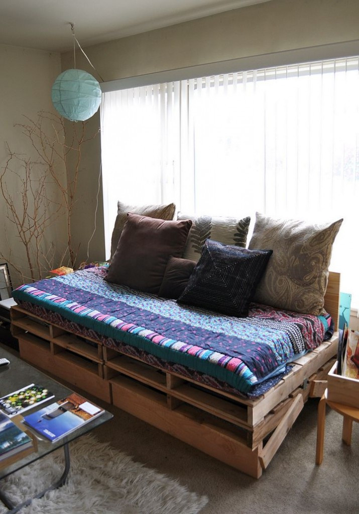 Best ideas about Easy DIY Daybed . Save or Pin 17 Easy Ideas on How to Make a Daybed Now.
