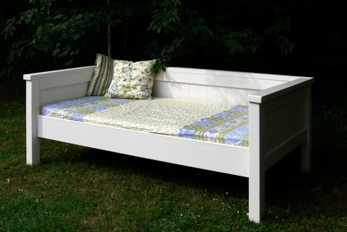 Best ideas about Easy DIY Daybed . Save or Pin Ana White Now.