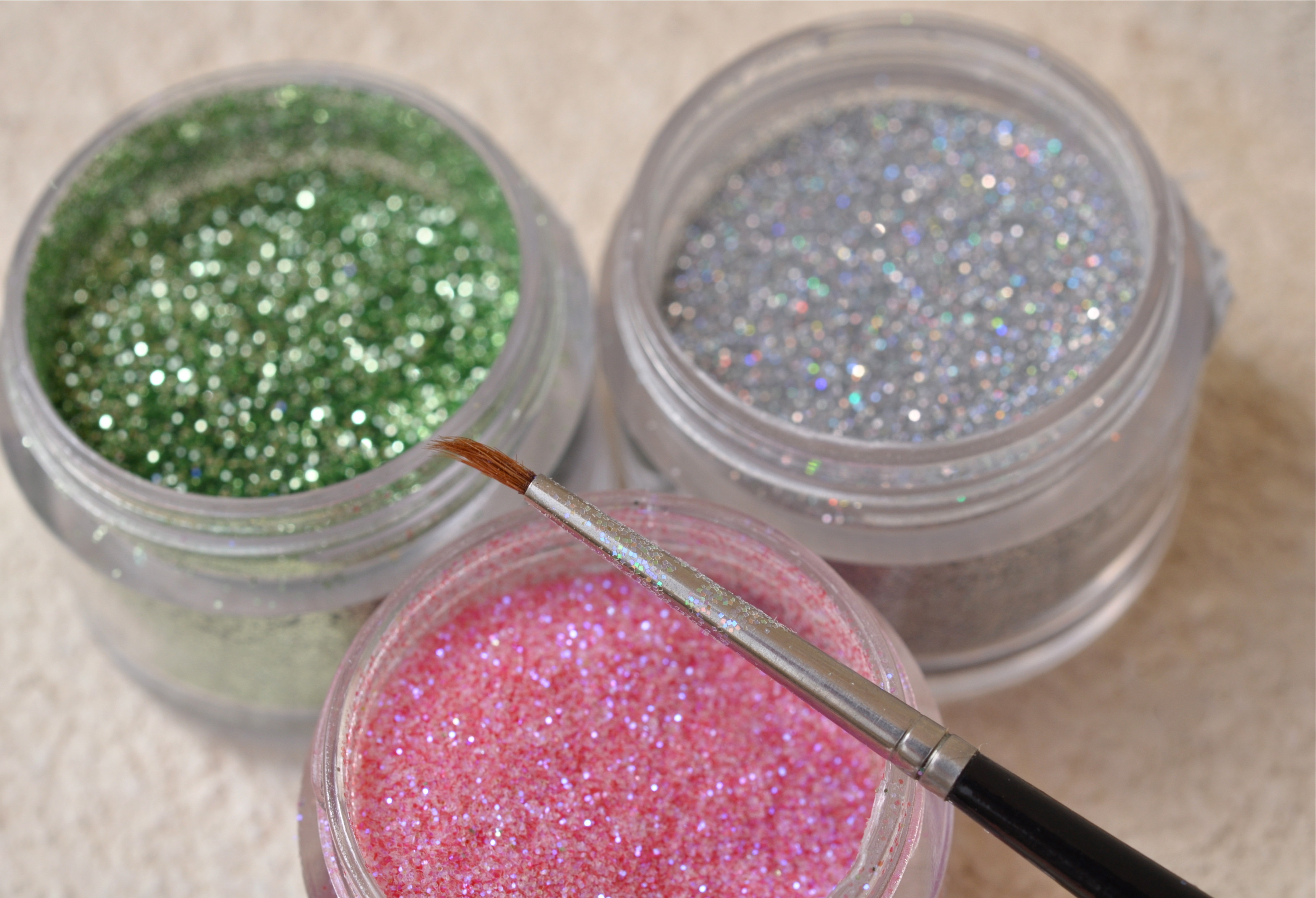 Best ideas about Edible Glitter DIY . Save or Pin DIY Edible Sparkly Glitter in 5 Easy Steps Home Trends Now.