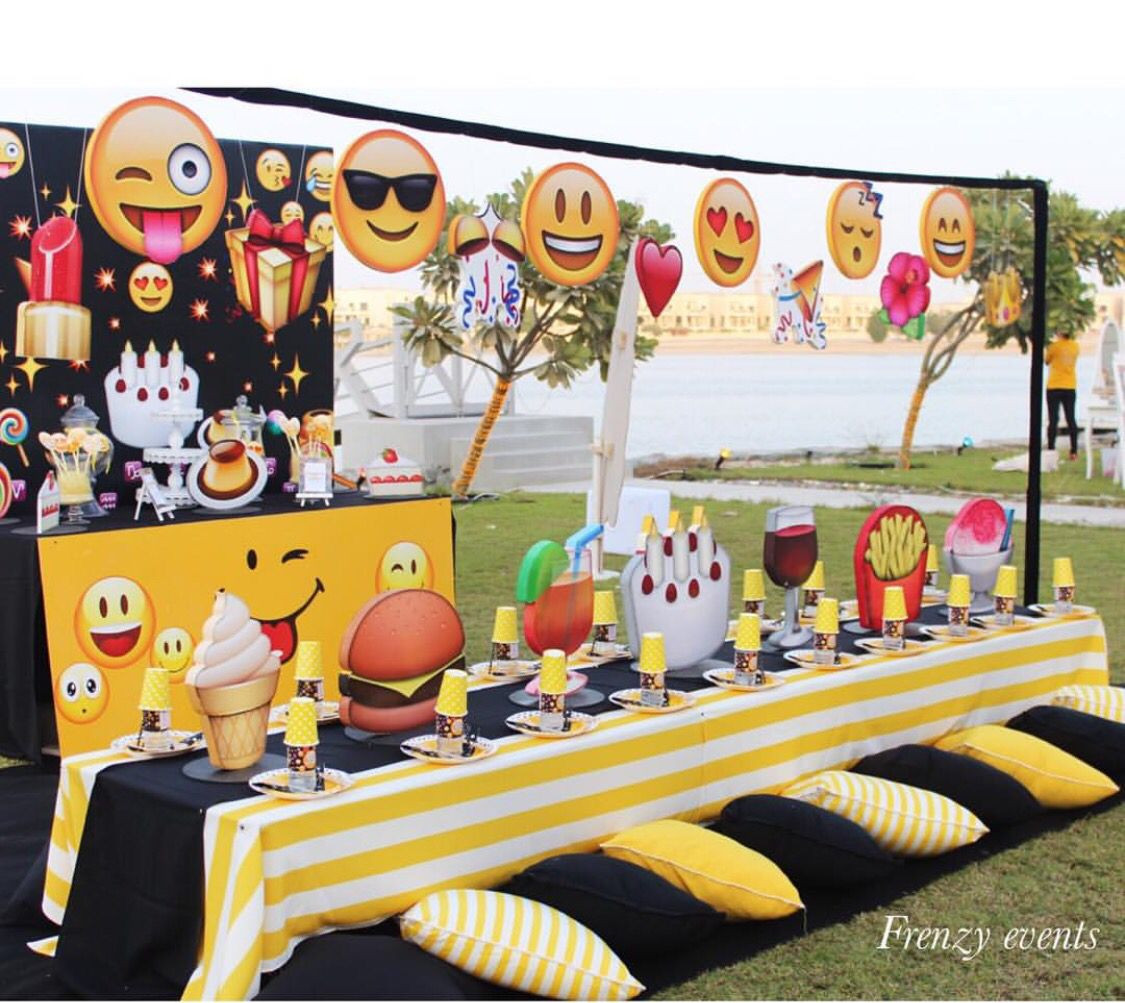 Best ideas about Emoji Birthday Party Decorations . Save or Pin Pre adolescente party … festa Pinterest Now.