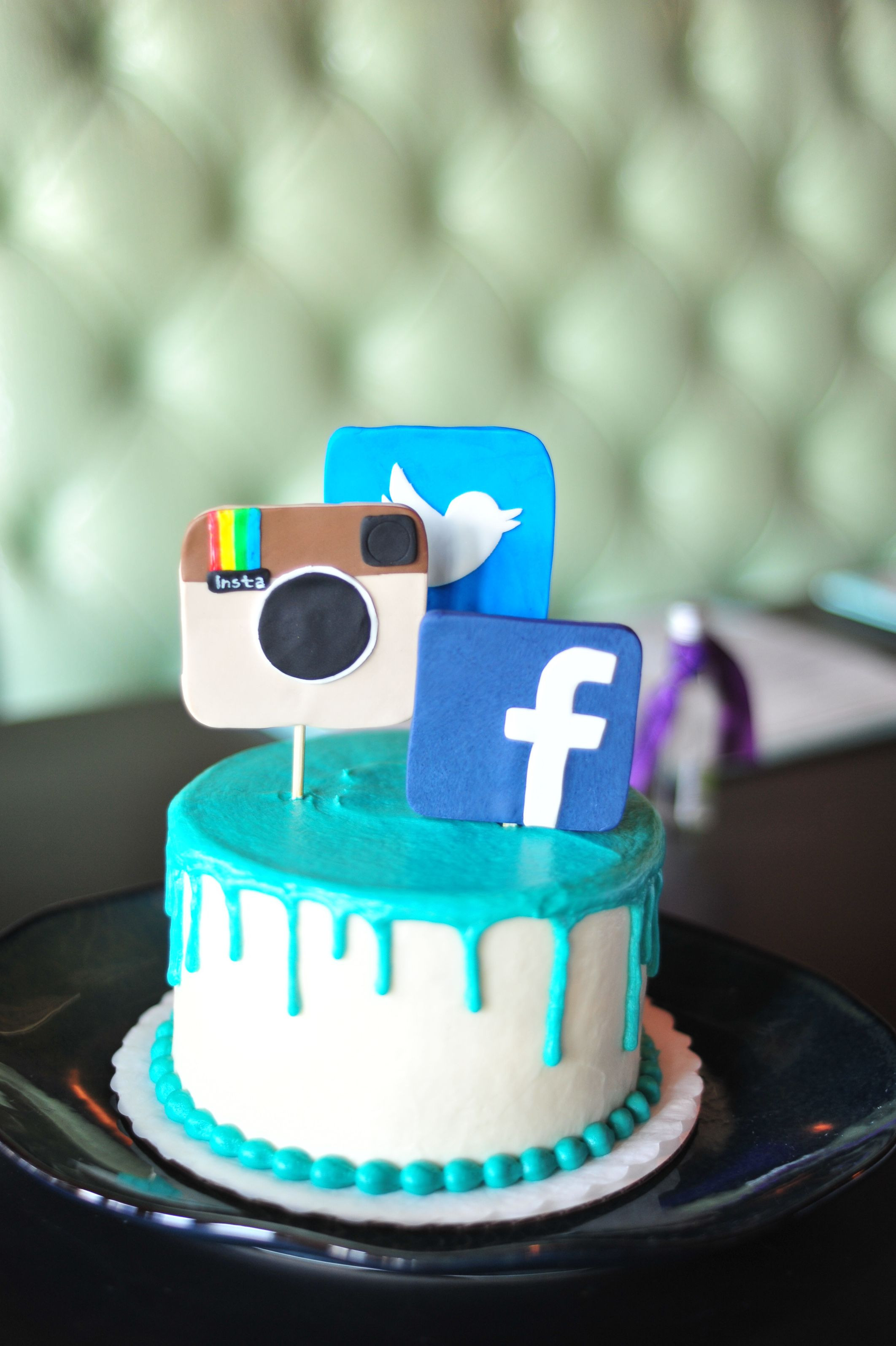 Best ideas about Facebook Birthday Cake . Save or Pin selfie cake social media cake instagram Now.