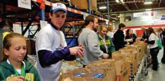 Best ideas about Food Pantry Volunteer . Save or Pin AZ Food Banks Brace for Holiday Rush Public News Service Now.
