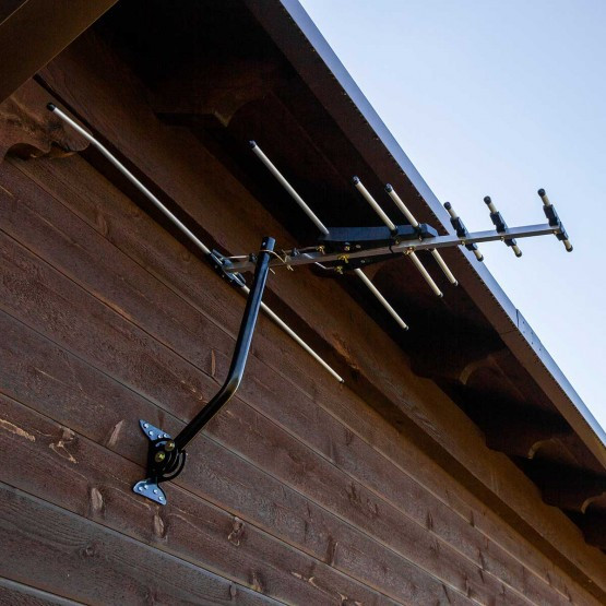 Best ideas about Ge Pro Outdoor Antenna . Save or Pin GE Pro Outdoor Yagi TV Antenna 70 Mile Range Now.