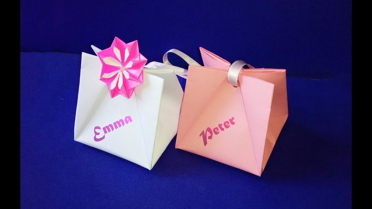 Best ideas about Gift Bags Ideas . Save or Pin Gift Bag with Handles Easy to do Gift Wrap Ideas for Now.