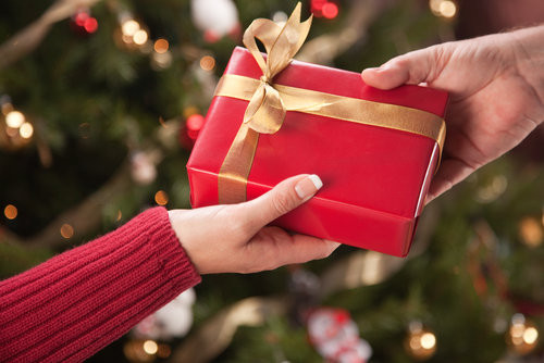 Best ideas about Gift Exchange Ideas For Large Family . Save or Pin 5 Unique Family Christmas Gift Exchange Ideas Now.