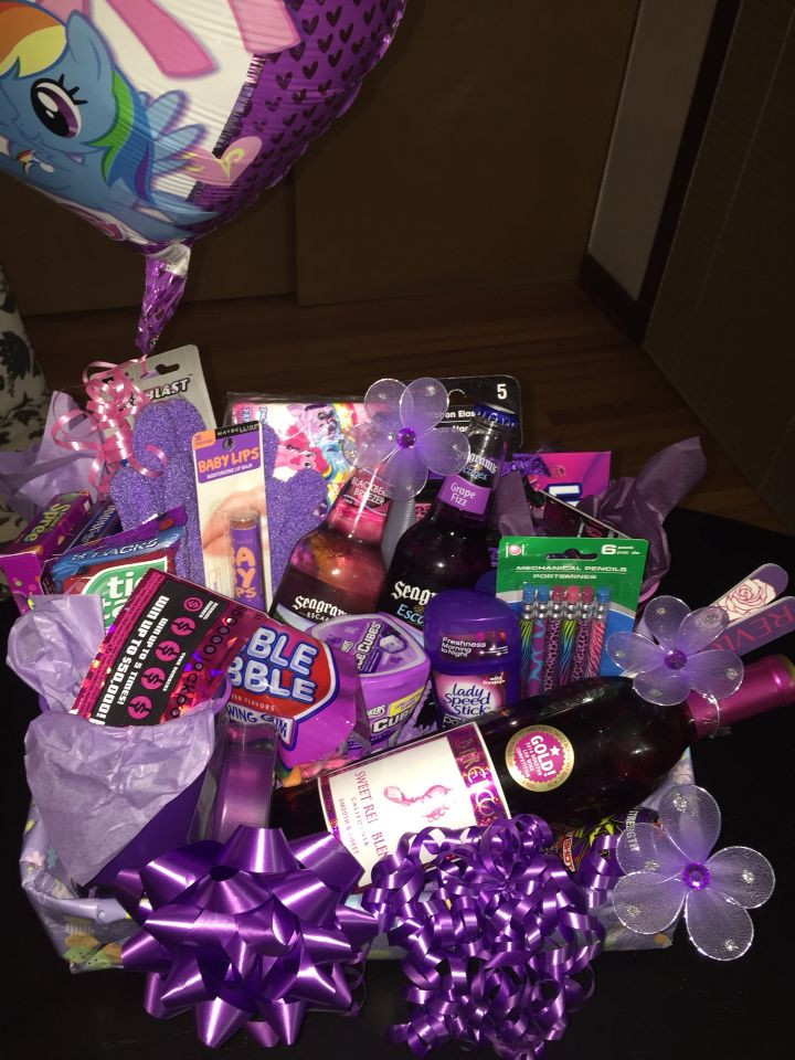 Best ideas about Gift Ideas For 21St Birthday Female . Save or Pin 25 best ideas about Women birthday ts on Pinterest Now.