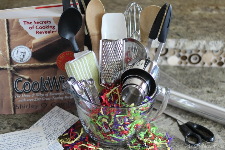 Best ideas about Gift Ideas For Someone Who Likes To Cook . Save or Pin 14 Easy Crafts and Gifts for Cooks and Bakers DIY Gifts Now.