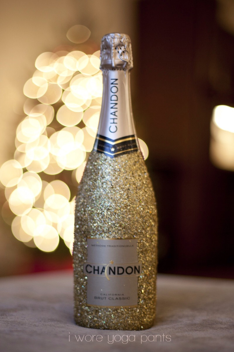 Best ideas about Glitter Wine Bottles DIY . Save or Pin DIY Glitter Glass wine Bottle Perfect For Gifts Now.