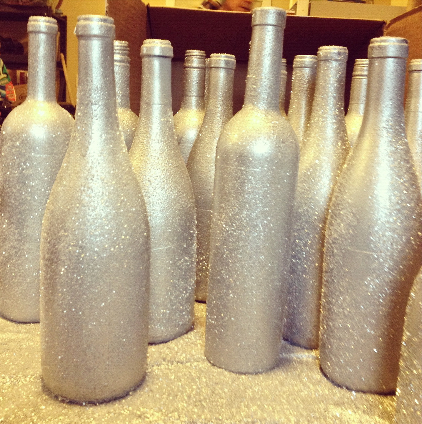 Best ideas about Glitter Wine Bottles DIY . Save or Pin Tutorial DIY Holiday Wine Bottle Vases Now.