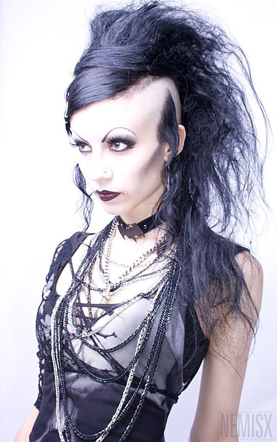 Best ideas about Goth Hairstyles For Girls . Save or Pin rock hair Oh god how i want this hair Now.