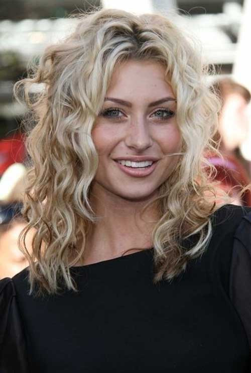 Best ideas about Hairstyles For Medium Length Wavy Hair . Save or Pin 35 Medium Length Curly Hair Styles Now.