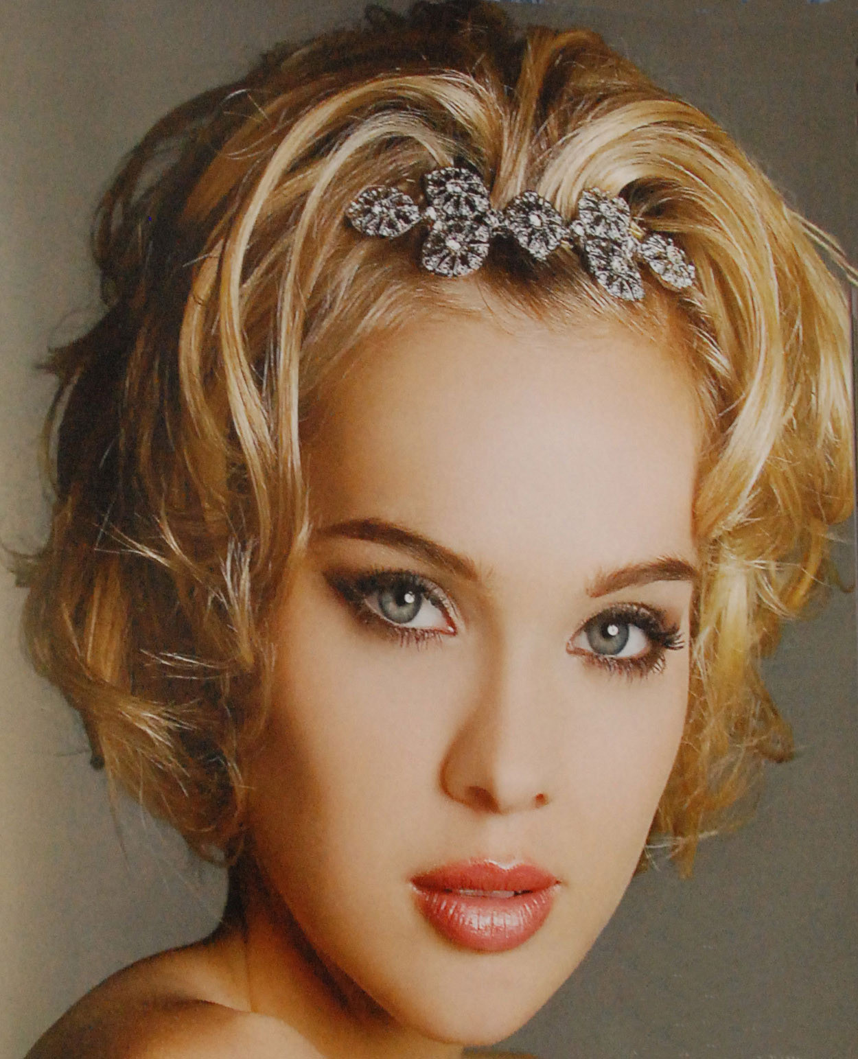 Best ideas about Hairstyles For Short Hair For Girls . Save or Pin China Hairstyles For Girls Now.