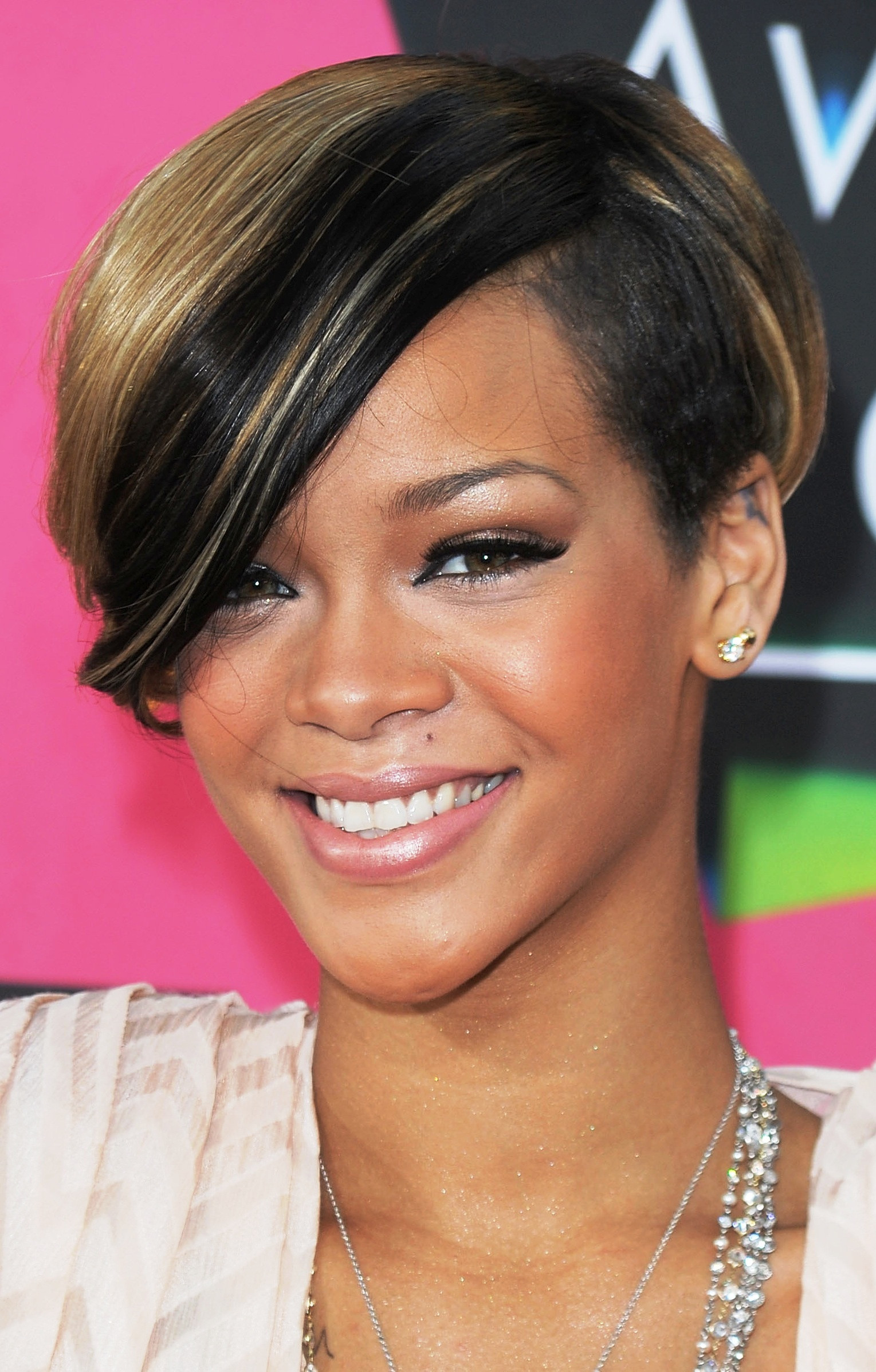 Best ideas about Hairstyles For Short Hair For Girls . Save or Pin 30 Short Hairstyles Ideas for Women Elle Hairstyles Now.