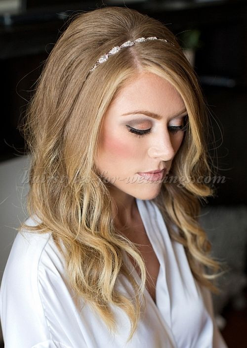 Best ideas about Hairstyles With Headbands For Long Hair . Save or Pin Best 25 Hairstyles with headbands ideas on Pinterest Now.