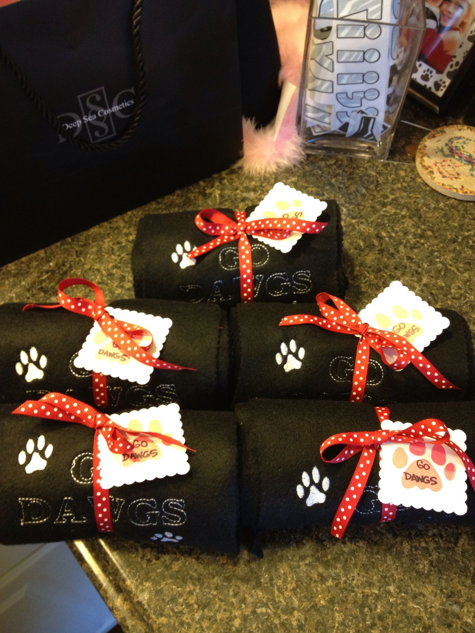Best ideas about Homemade Cheer Gift Ideas . Save or Pin DIY Cheerleading ts Cheerleading Now.