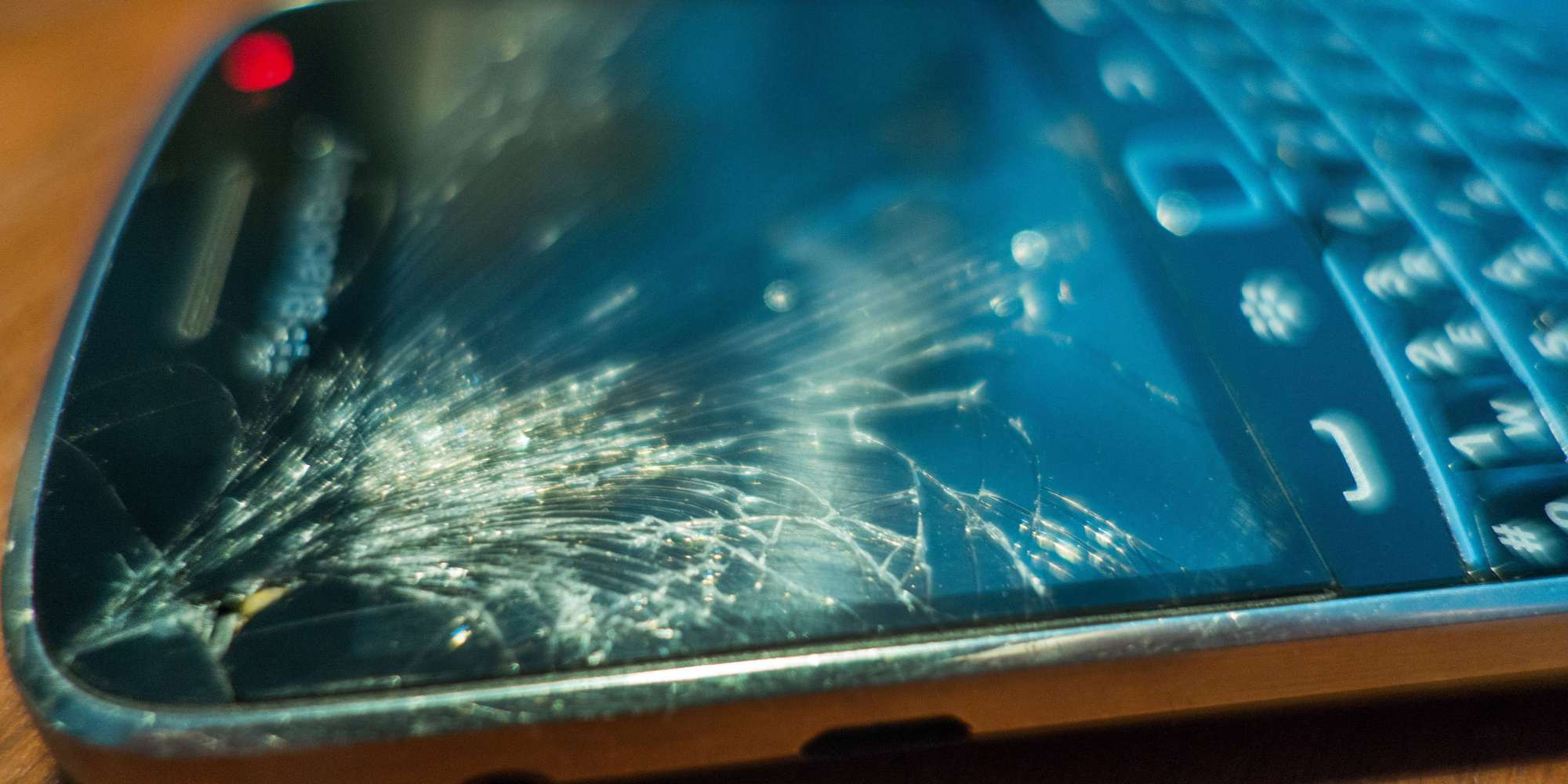 Best ideas about How To Fix A Cracked Phone Screen DIY . Save or Pin 4 Ways To Fix A Cracked Phone Screen Now.