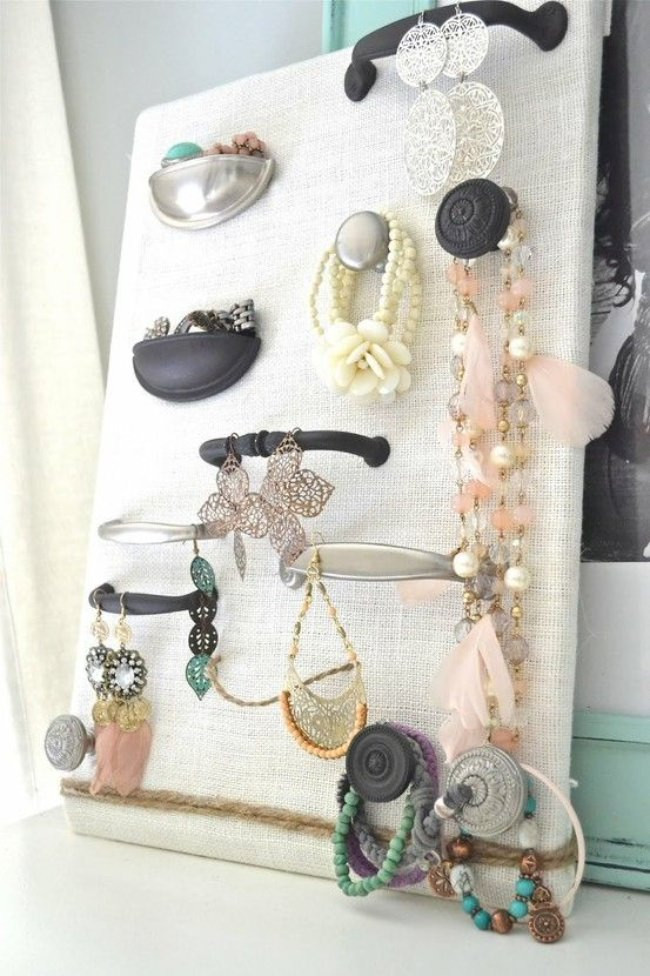 Best ideas about How To Organize Jewelry DIY . Save or Pin 17 Clever Ways to Organize Your Jewelry diy Tip Junkie Now.