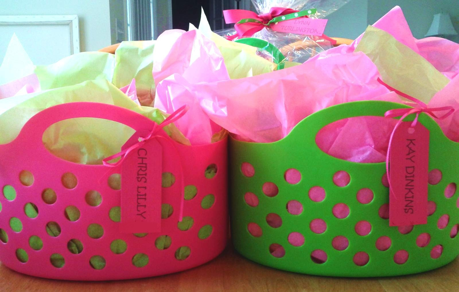 Best ideas about Inexpensive Gift Baskets Ideas . Save or Pin the lowdown on How To Put To her A Fantastic Now.