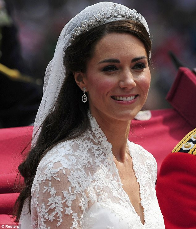 Best ideas about Kate Middleton Wedding Hairstyles . Save or Pin Tutorial to Kate Middleton s half up hairstyle Now.