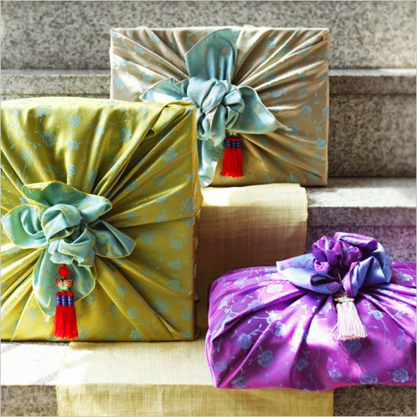 Best ideas about Korean Gift Ideas . Save or Pin Ideas and Tips on Gift Giving in Korea Seoul Searching Now.