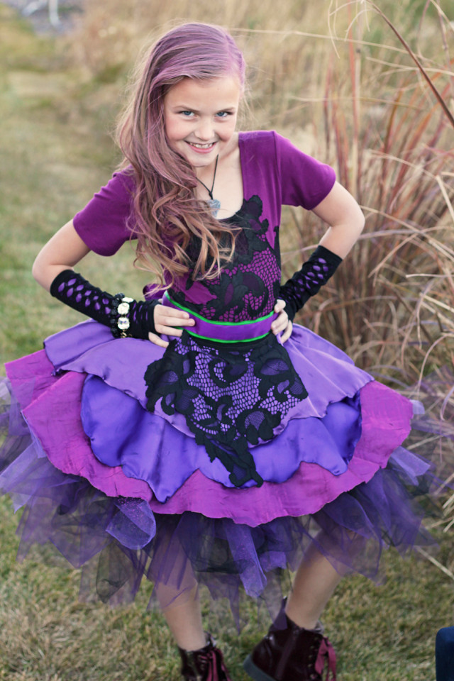 Best ideas about Mal Descendants Costume DIY . Save or Pin Disney Descendants 2 Costumes Mal & Evie Now.