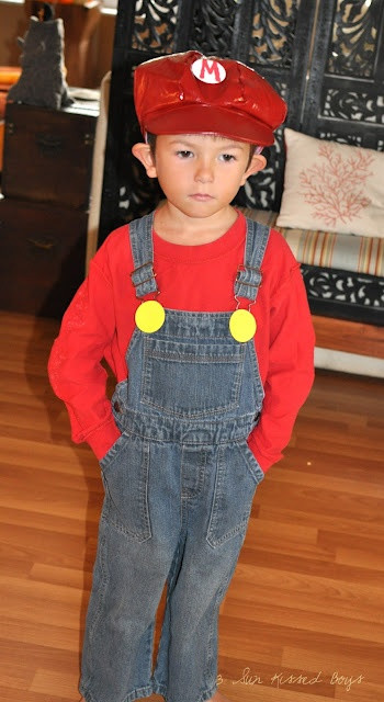 Best ideas about Mario DIY Costume . Save or Pin Homemade Mario Costume costumes y disfraces Now.