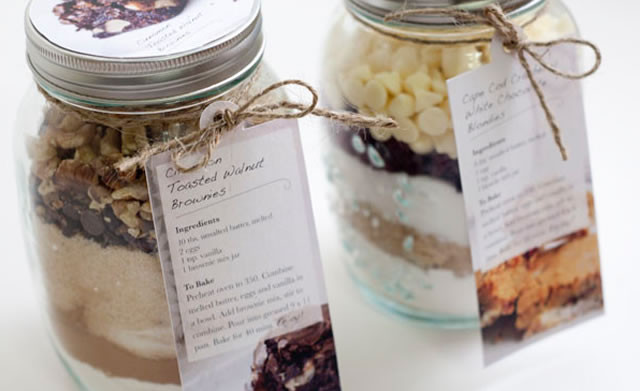 Best ideas about Mason Jar DIY Gifts . Save or Pin 22 Adorable DIY Chistmas Gifts In a Mason Jar Now.