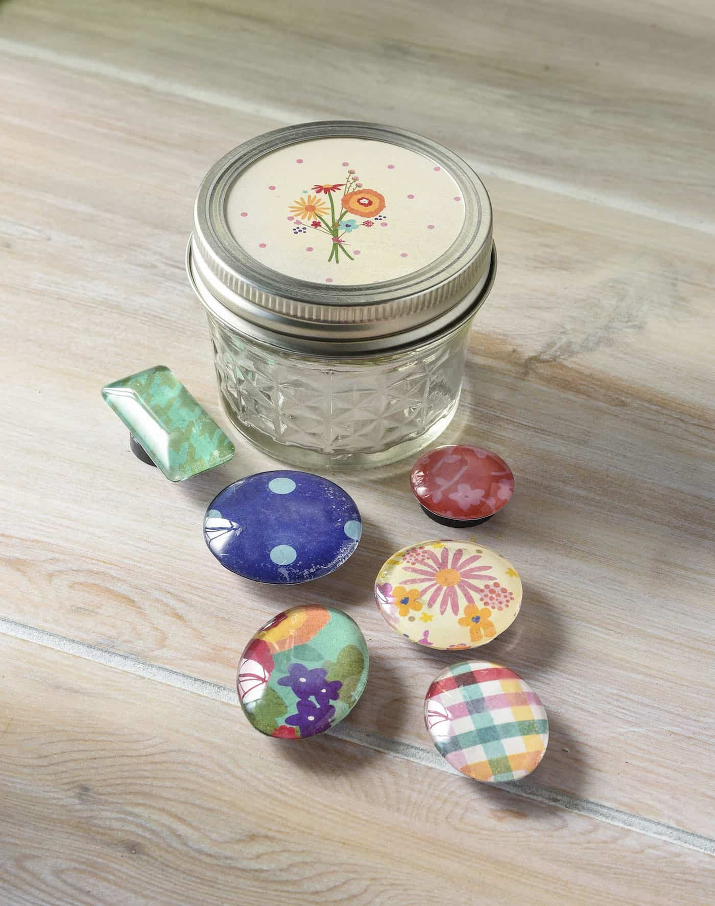 Best ideas about Mason Jar DIY Gifts . Save or Pin Quick handmade ts DIY magnets in a mason jar Mod Now.