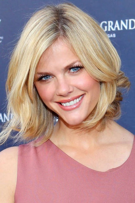 Best ideas about Medium Length Hairstyles For Oval Faces . Save or Pin Medium haircuts for oval faces Now.
