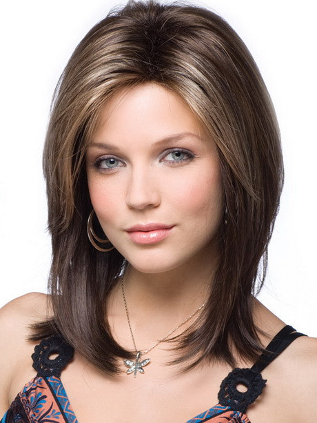 Best ideas about Medium Length Hairstyles For Oval Faces . Save or Pin Layered haircuts for oval faces Now.