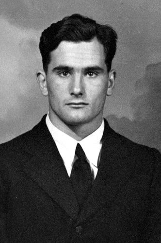 Best ideas about Mens Hairstyles 1940S . Save or Pin 1940s Men s Hairstyles Facial Hair Grooming Products Now.