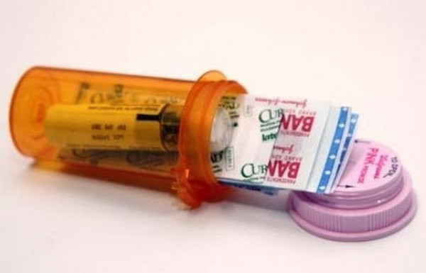 Best ideas about Mini First Aid Kit DIY . Save or Pin 25 Clever DIY Camping Ideas & Tutorials Noted List Now.