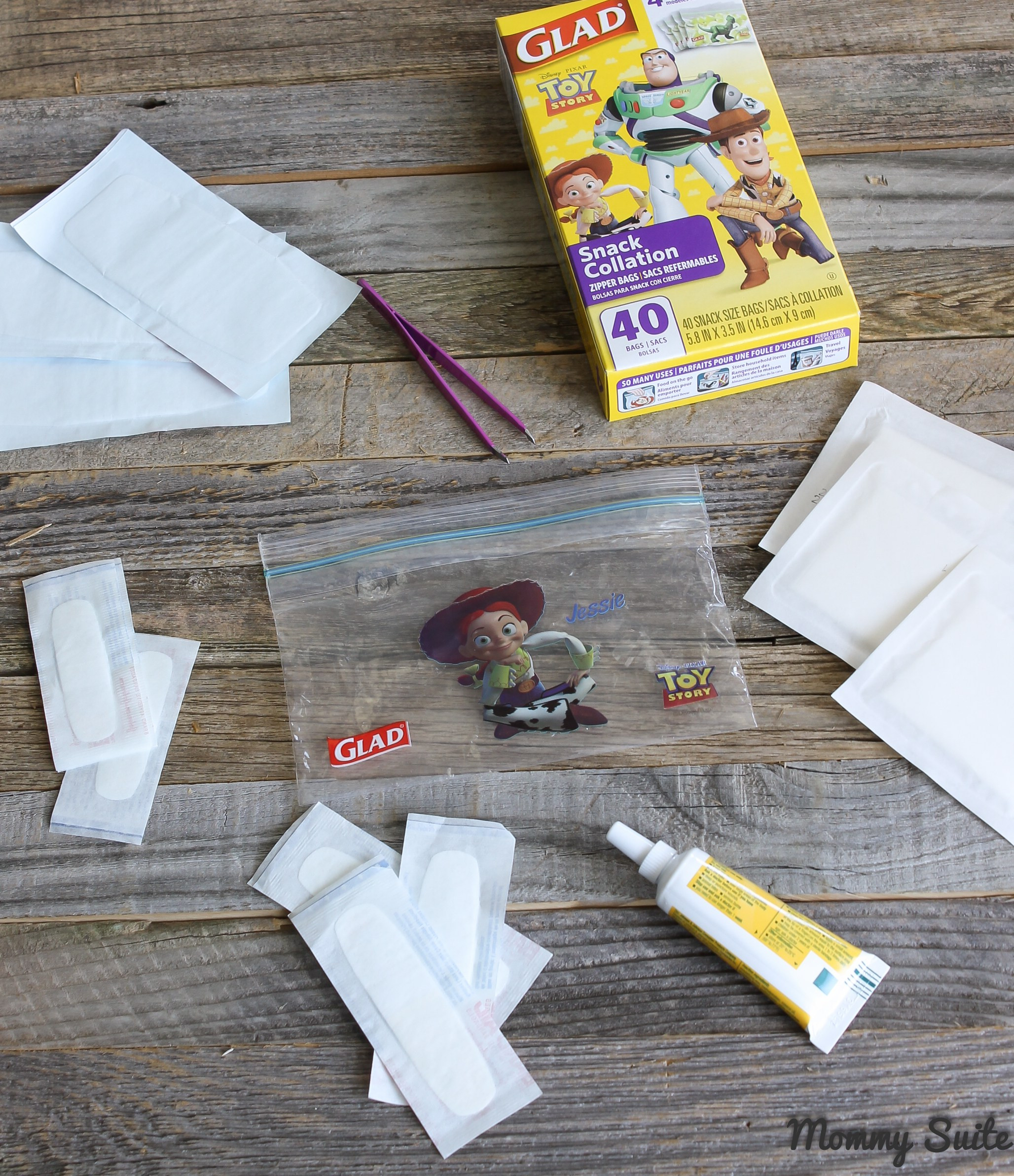 Best ideas about Mini First Aid Kit DIY . Save or Pin DIY Mini First Aid Kit Mommy Suite Now.