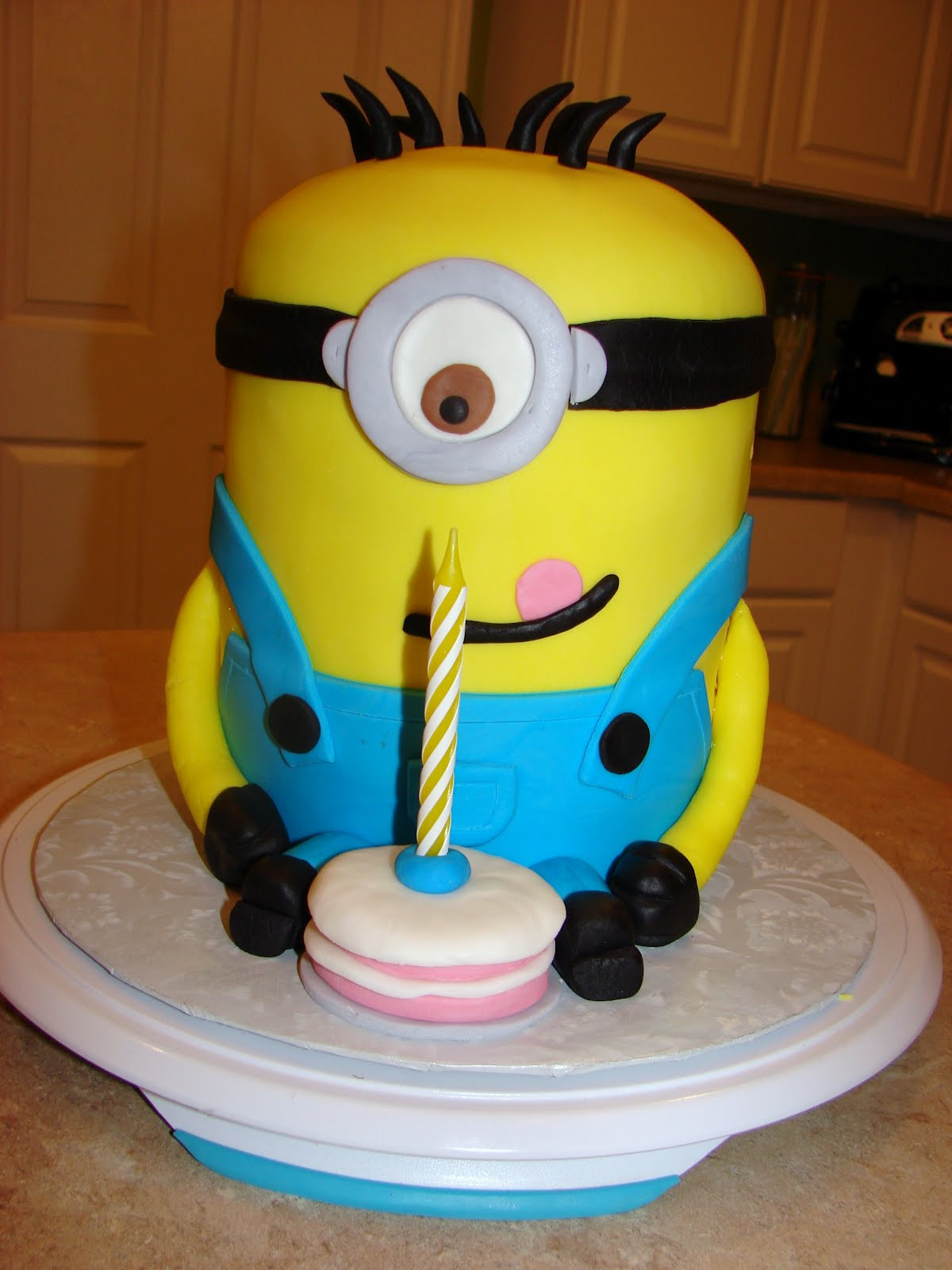 Best ideas about Minions Birthday Cake . Save or Pin Ipsy Bipsy Bake Shop Minion Cake Now.